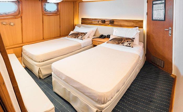 corals-standard-cabin