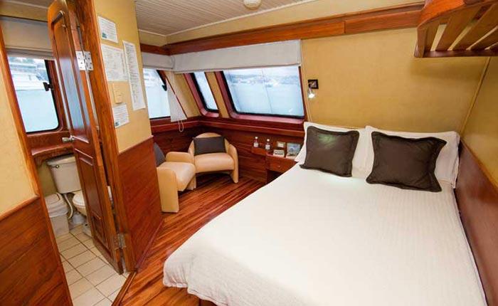 galaven-main-cabin