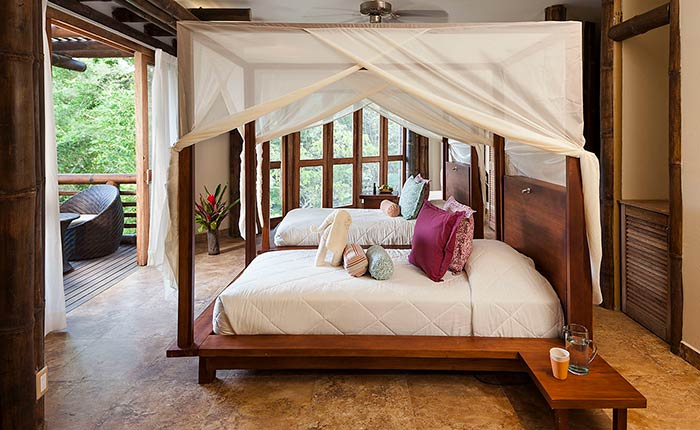 laselva-ecolodge-bed