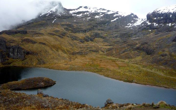 altar-trekking-black-lagoon