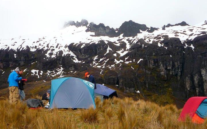 altar-trekking-camping