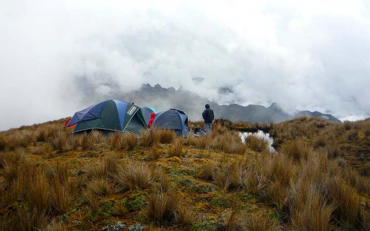 altar-trekking-cold-high-camping