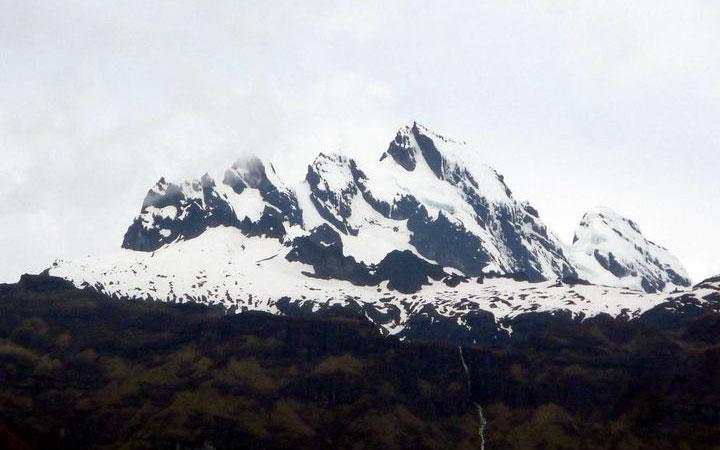 altar-trekking-peaks-mountain-snow