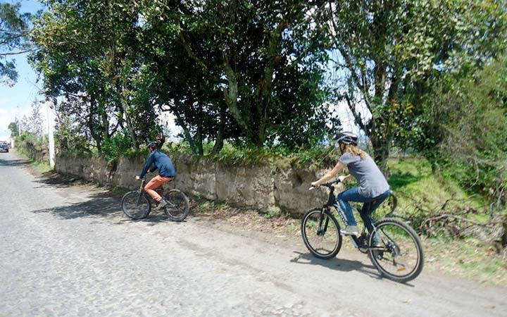 Cuicocha and Cotacachi Sourroundings by Bike