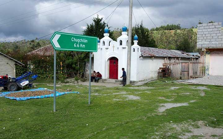 chugchilan-house-entry