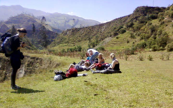 chugchilan-trekking-valley
