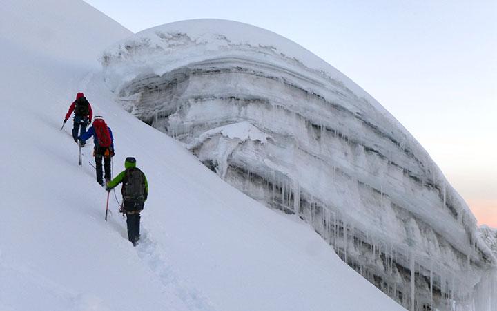 cotopaxi-climbing-glacier