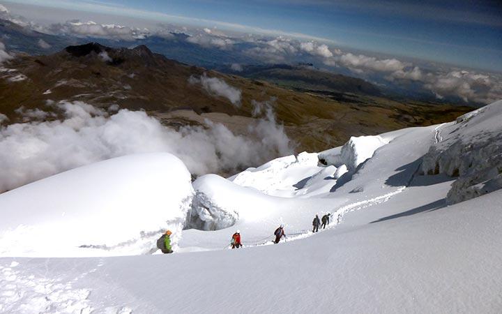 cotopaxi-climbing-route