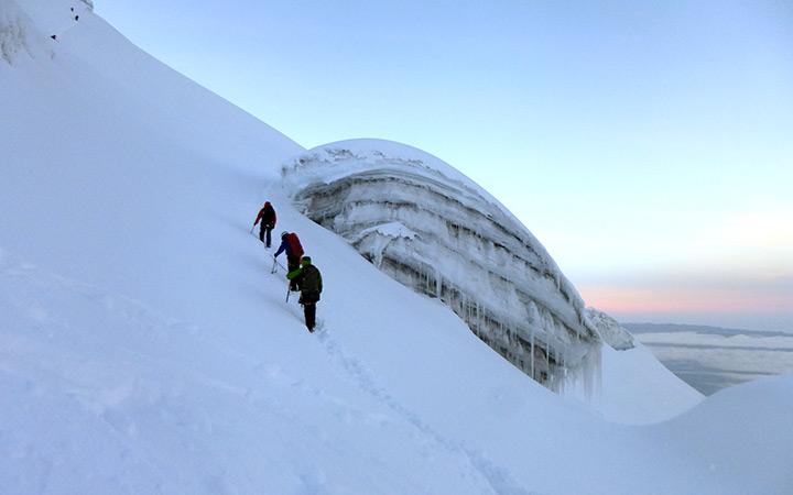 cotopaxi-climbing-snow