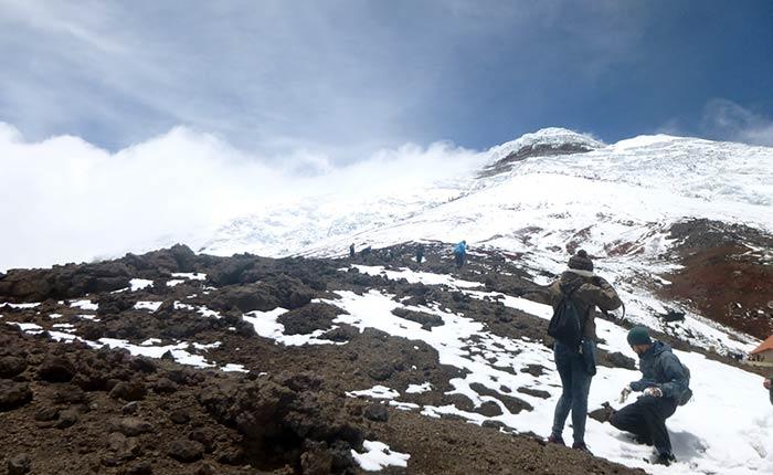 cotopaxi-trekking