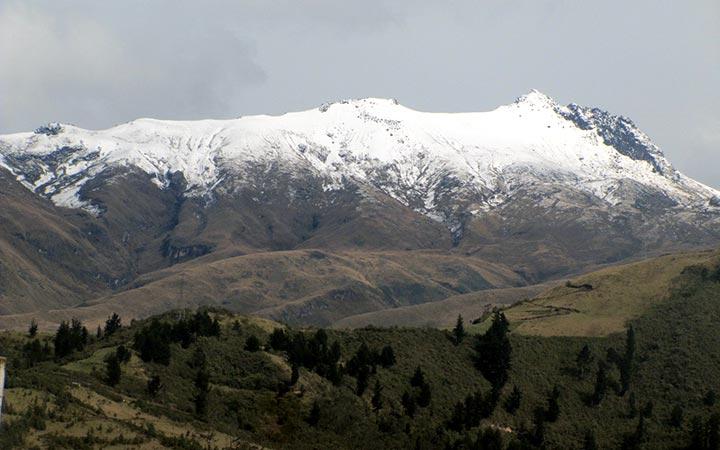 guagua-pichincha-snowy