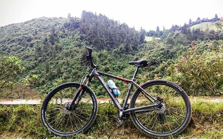 mindo-biking-bicycle