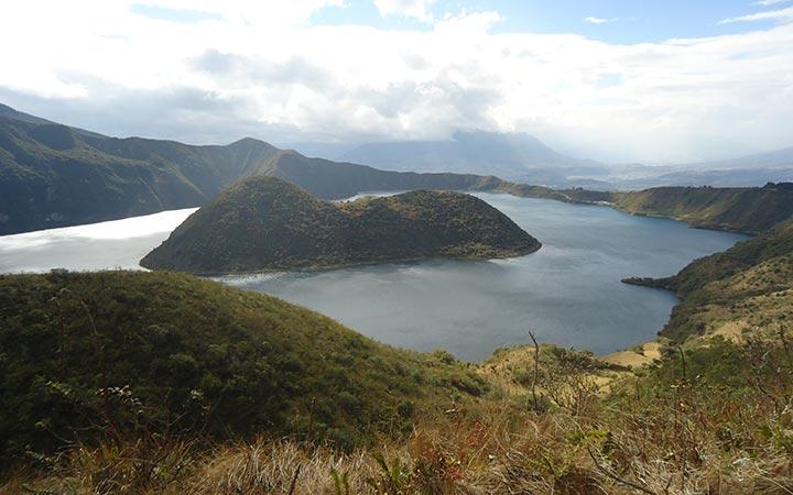 mountains-imbabura-lake-hiking