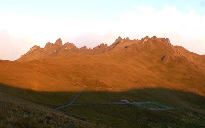 puntas-mountains-sunset