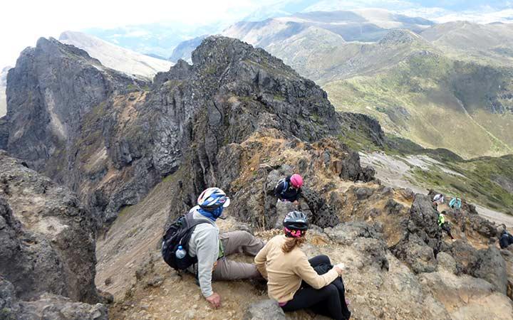 rucu-pichincha-climbing-rocks