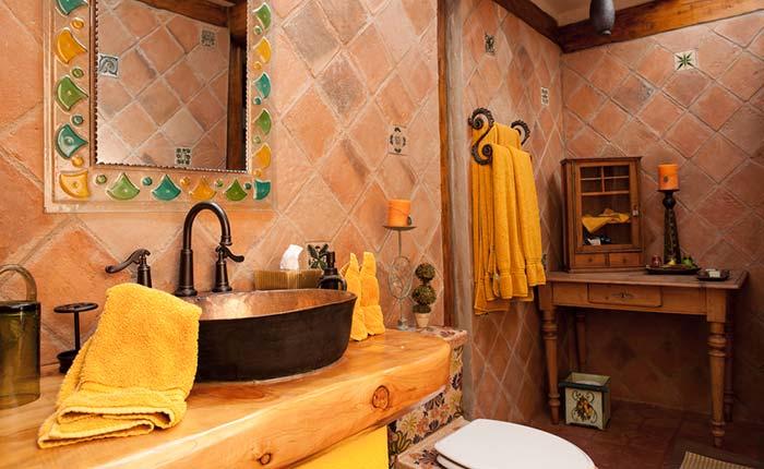 rumiloma-ranch-toilet