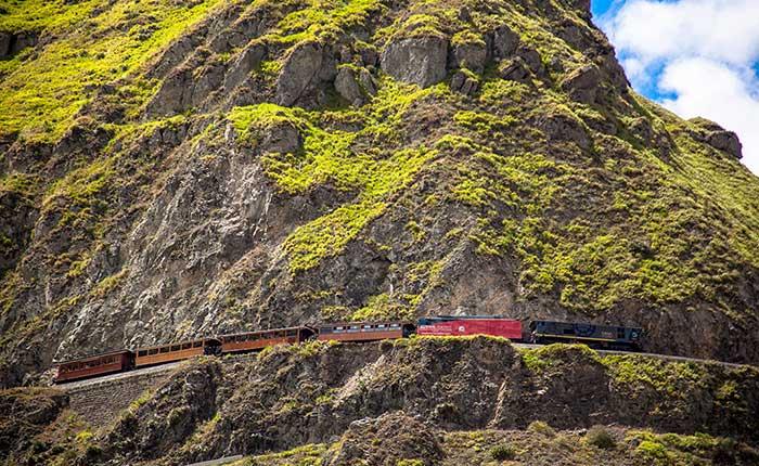train-cruice-hills