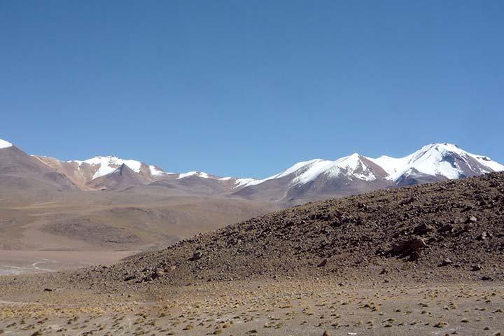 bolivia-andean-desert-snow-peaks