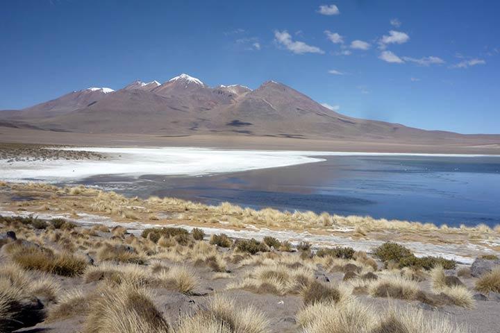 bolivia-andean-mountains-lagoon