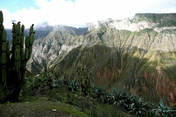 colca-canyon-mountain