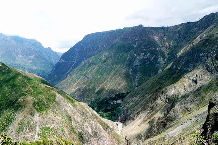 colca-canyon-valley