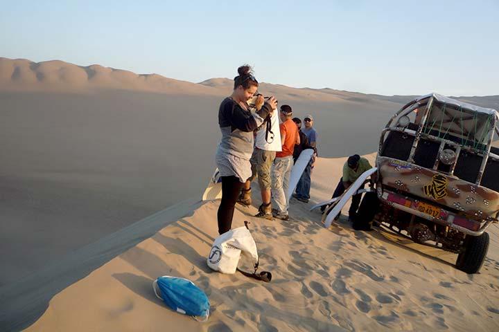 huacachina-sand-mountain
