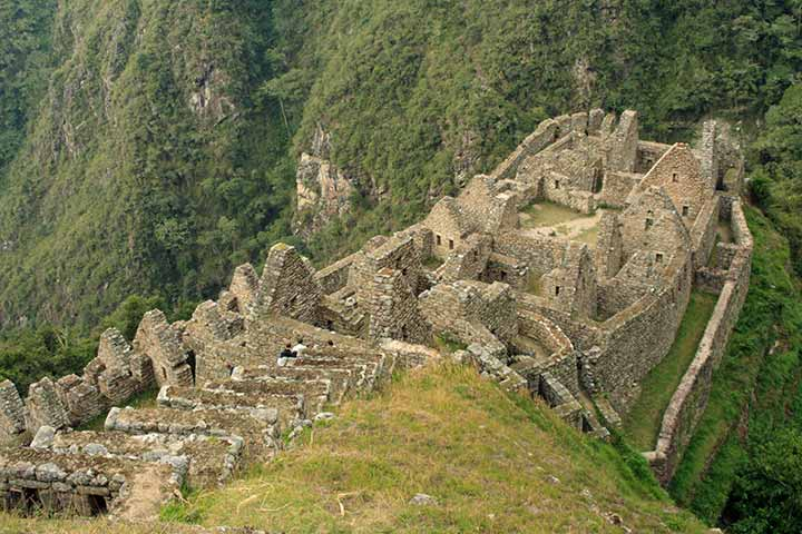 inca-trail-ceremonial-center