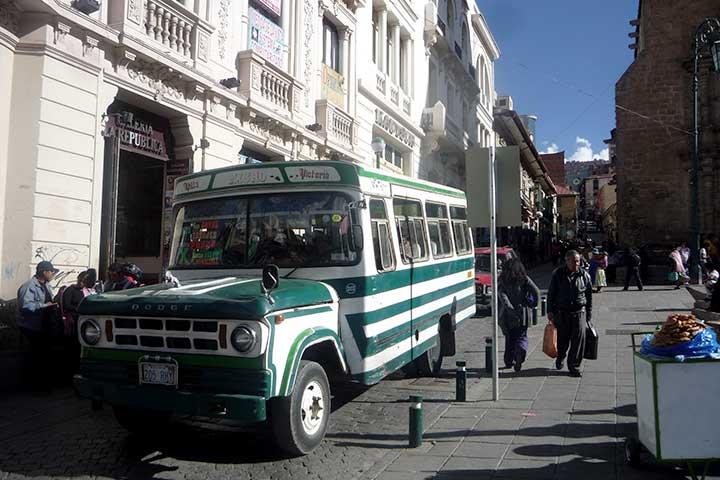 lapaz-architecture-old-autobus