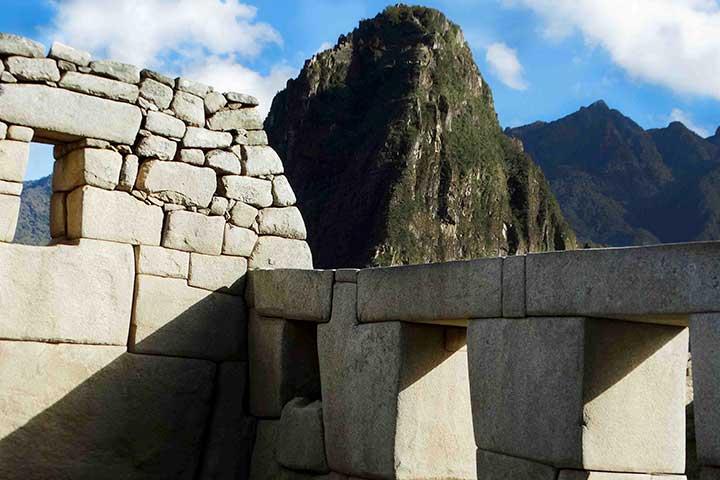 macchu-picchu-peru-ruins