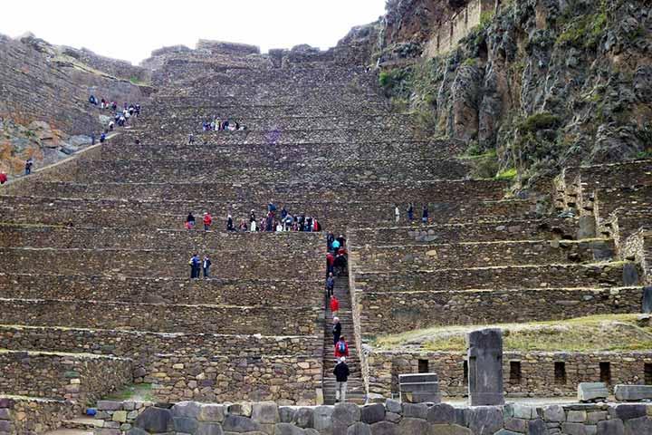 ollantaytambo-stairs