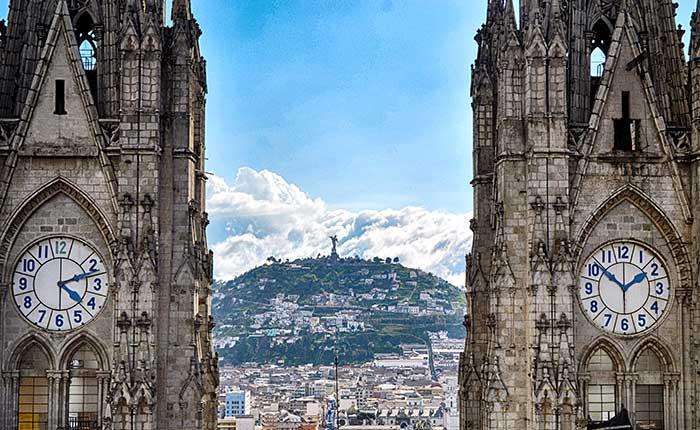 quito-basilica-clocks