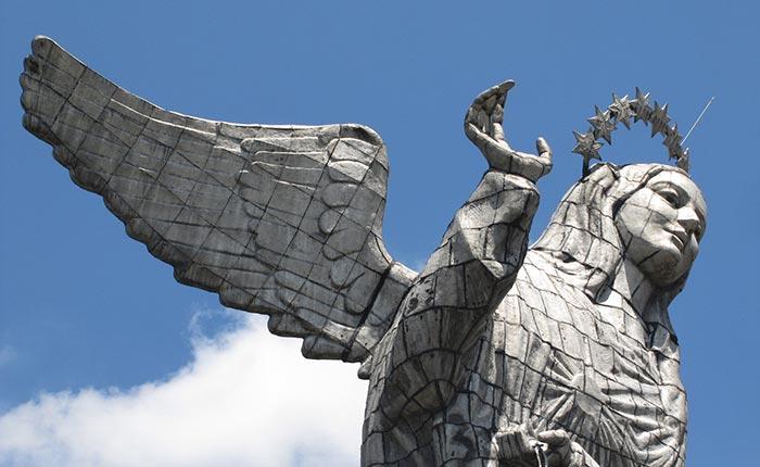 quito-panecillo-statue