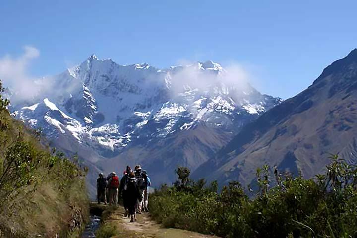 salkantay-trek-snowy-mountain