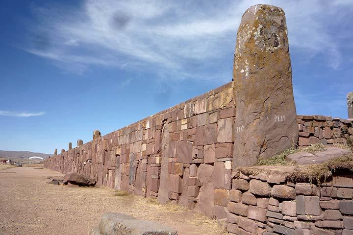 tihuanaco-ruins-stones
