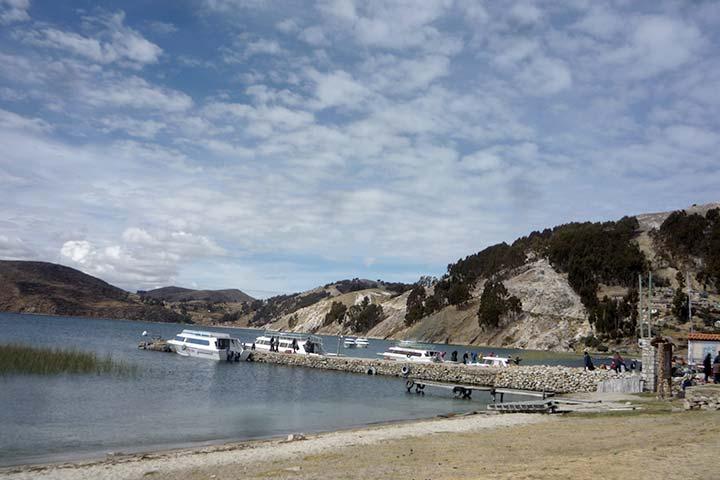 titicaca-lake-boats