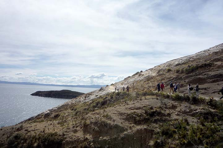 titicaca-lake-mountain-wild-hiking