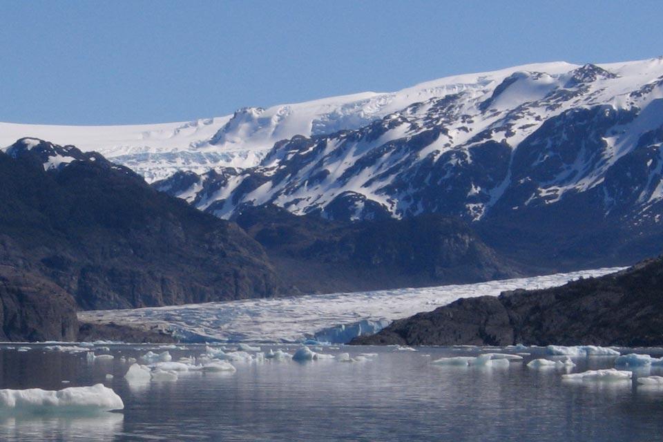 grey-glacier-ice