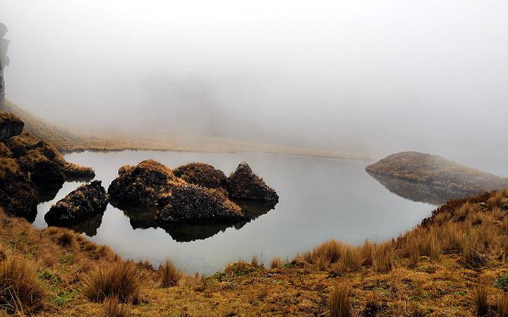 altar-mandur-lagoon